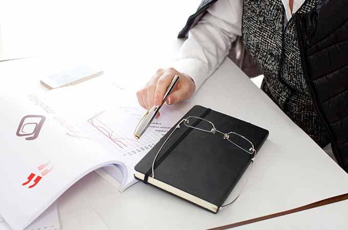 顧問税理士と契約解除するには?  タイミングや注意点、引き継ぎのポイントを解説