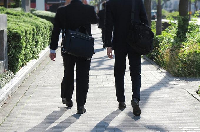 あなたの会社の社員数  適正水準の要点は「平均年収」にあり
