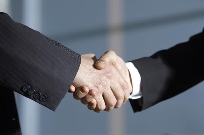 事業承継の手引き―高齢経営者が今考えるべきこと―