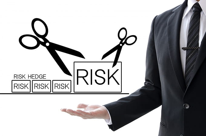 税金ゼロで後継者に自社株を渡せる「事業承継税制」  でも、使うときにはリスクも認識を