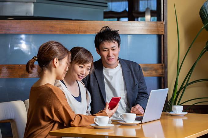中小企業の社内コミュニケーション改善に  役立つツールと導入の注意点