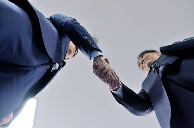 個人事業主の事業承継は  個人版事業承継税制を活用しよう
