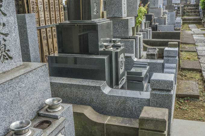 税の滞納で、お寺の墓地を差し押え!?  「差押えできない財産」とは?