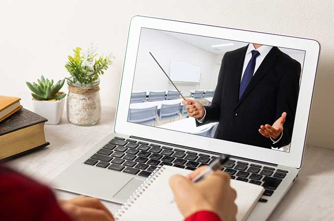 個人事業主がオンライン教室から収入を得た場合の  税金の考え方